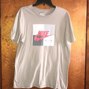 Gray Nike Short Sleeve Tee